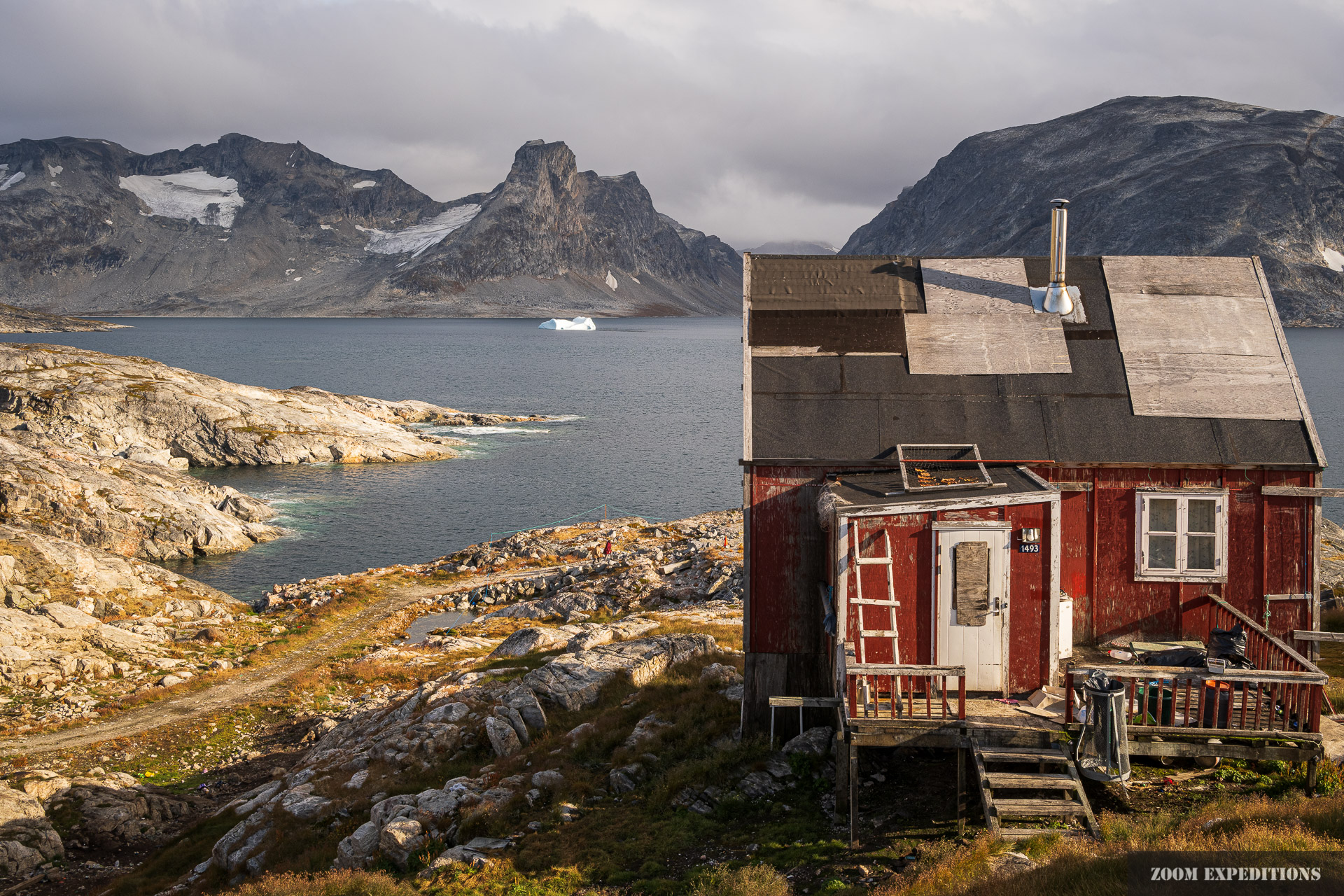 Haus am Fjord in Sermiligaaq